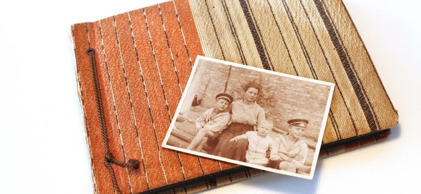 4 Momen Spesial untuk Memberikan Hadiah Scrapbook